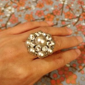 Jewelry - Ornate silver flower ring